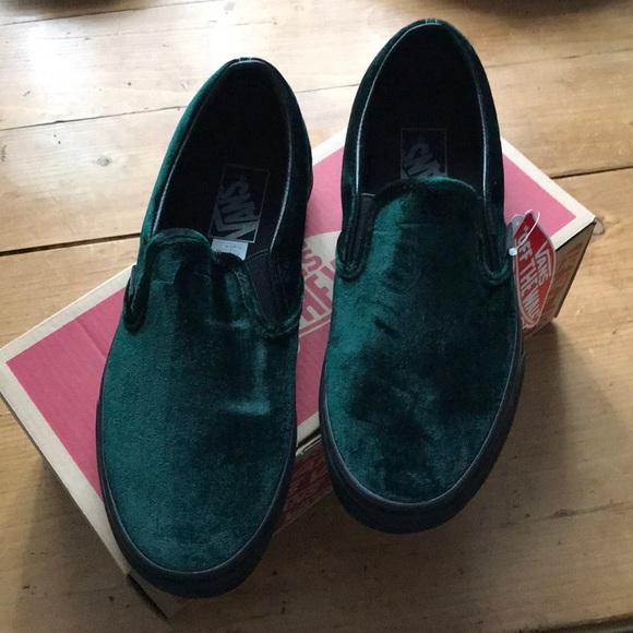 ab99e54af056 Vans Velvet Green Classic Slip-On W 7.5 - NEW